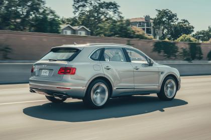 Bentley Bentayga Hybrid - rear