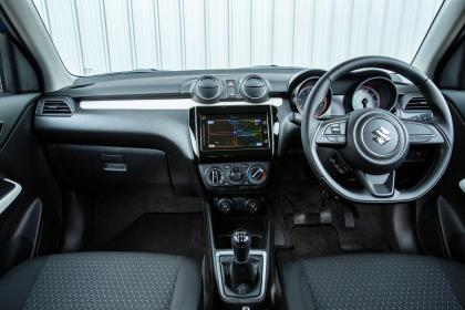 Suzuki Swift Attitude - dash