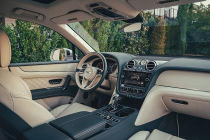 Bentley Bentayga Hybrid - dash