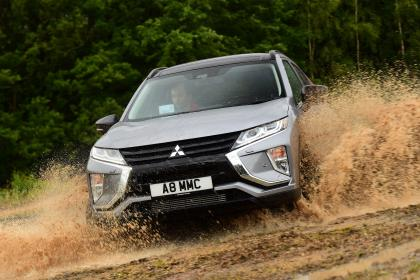 Mitsubishi Eclipse Cross Black Connected - front off-road