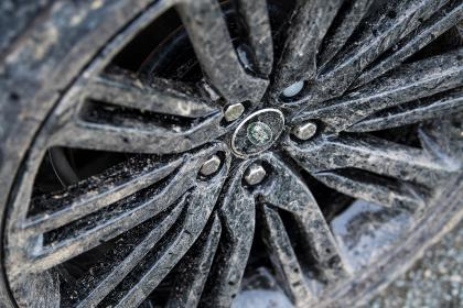 Green Laning  - Land Rover Discovery wheel