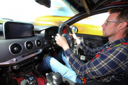 Kia Stinger GT420 - Sean driving