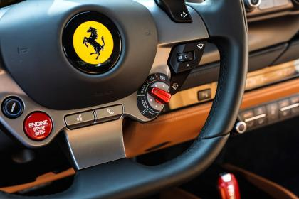 Ferrari F8 Tributo - steering wheel