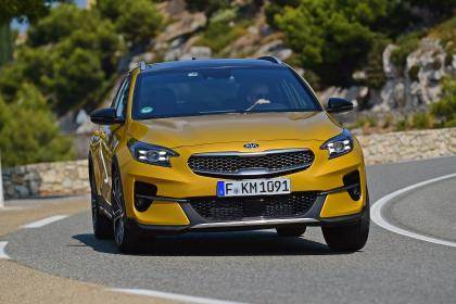 Kia XCeed - cornering