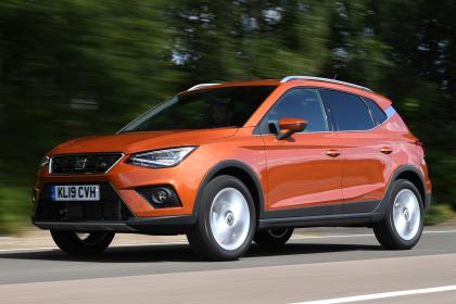 SEAT Arona - front tracking