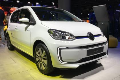 VW e-up - front