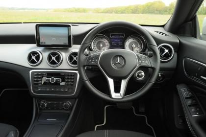 Used Mercedes CLA - dash