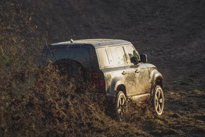 Land Rover - James Bond No Time To Die rear