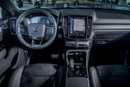 Volvo XC40 T5 Twin Engine - dash