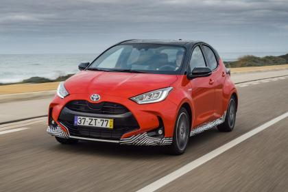 2020 Toyota Yaris - front tracking